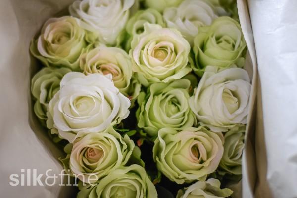 Rosenstrauss aus Seide, weiss-grün-gemischt | Silk&Fine
