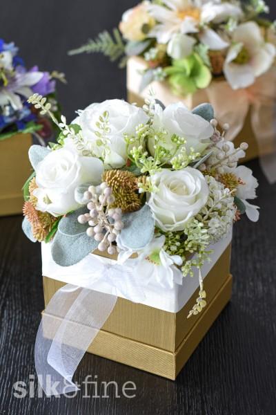 Blumenbox mit Rosen, weiss | Silk&Fine