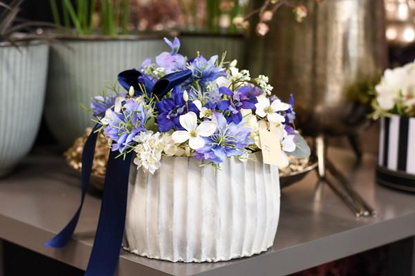 Blaues Blumengesteck | silk&fine