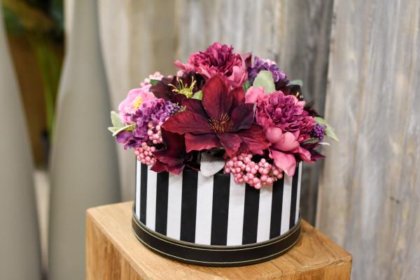 Blumenbox in beeren Farben